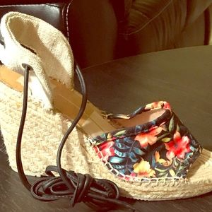 Dolce Vita, Lace up Wedges